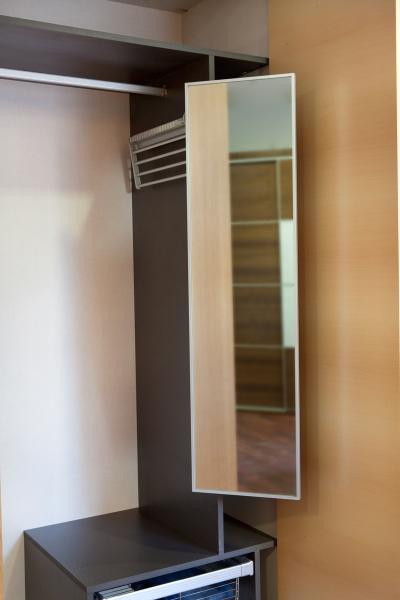 Comprar espejo extraible y orientable trimetto carpinter a - Complementos armarios ...