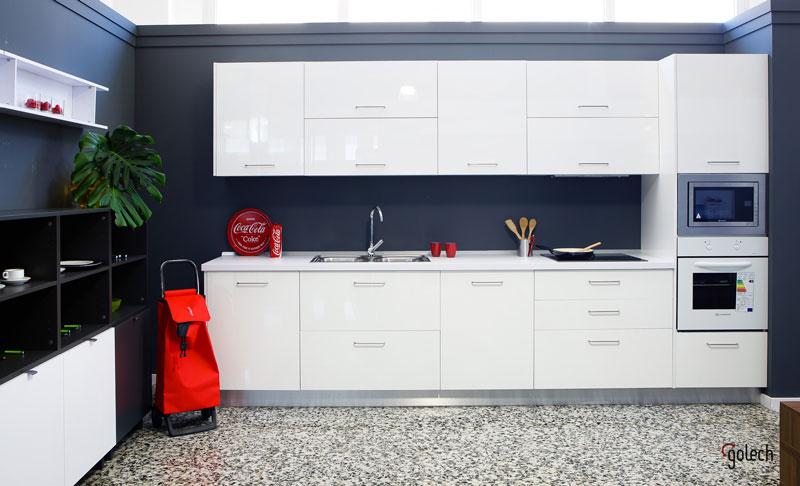 Nueva exposición de cocinas, armarios y muebles vida en Lamiplast Paterna.